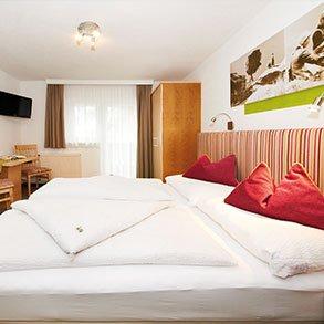 home pension pitze zimmer in s lden. Black Bedroom Furniture Sets. Home Design Ideas